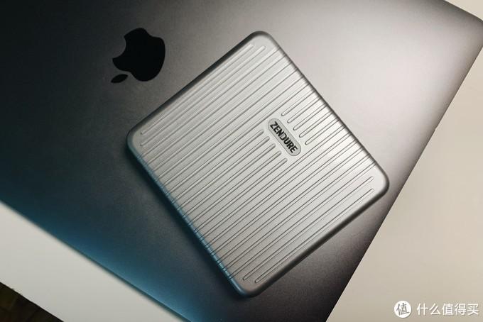 如何更优雅的玩转MacBook,这份「配件排雷清单」值得你看!