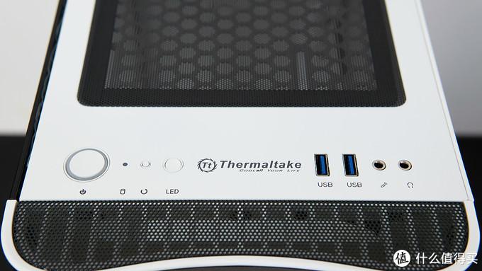 高颜值侧透 Thermaltake 挑战者 H3 机箱装机