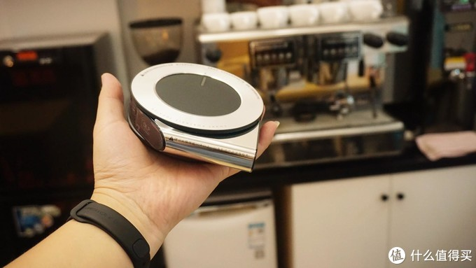 能放进口袋的智能投影仪,售价1836元你会买吗?微果i6投影仪开箱晒单