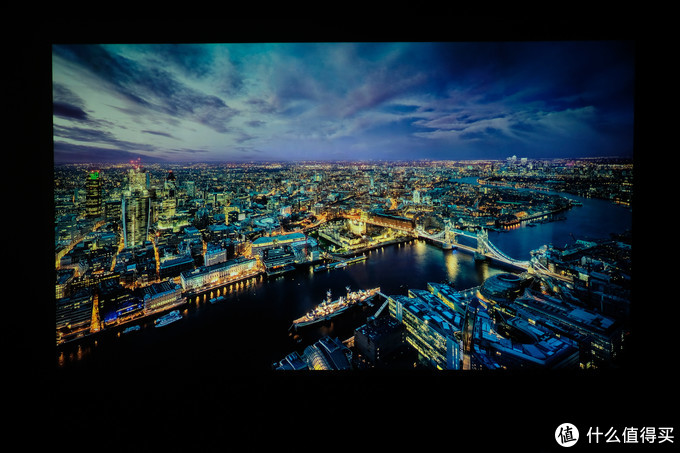 如何做到低成本值回票价,初建家庭影院的好选择:明基W1700M 4K投影仪