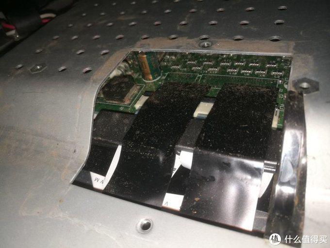 液晶显示器拆解内部结构展示