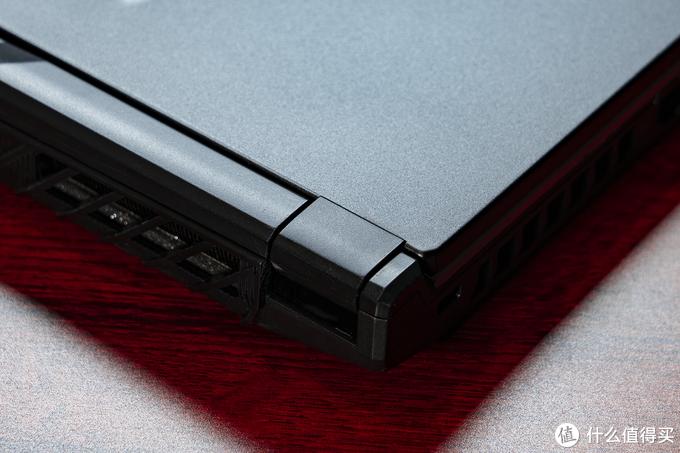 塞进九代i7 +RTX2060后,又要散热好,又要足够轻薄?微星GP75 游戏笔记本可以做到