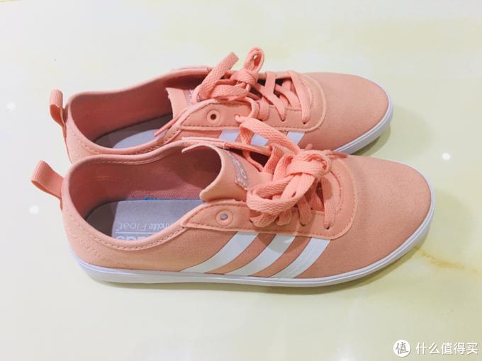 终于入了一双小粉鞋-Adidas Neo 帆布鞋EE4931晒单