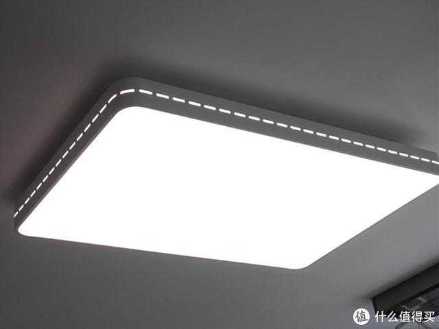 小客厅安装大顶灯,Yeelight皓石吸顶灯PRO使用体验总结