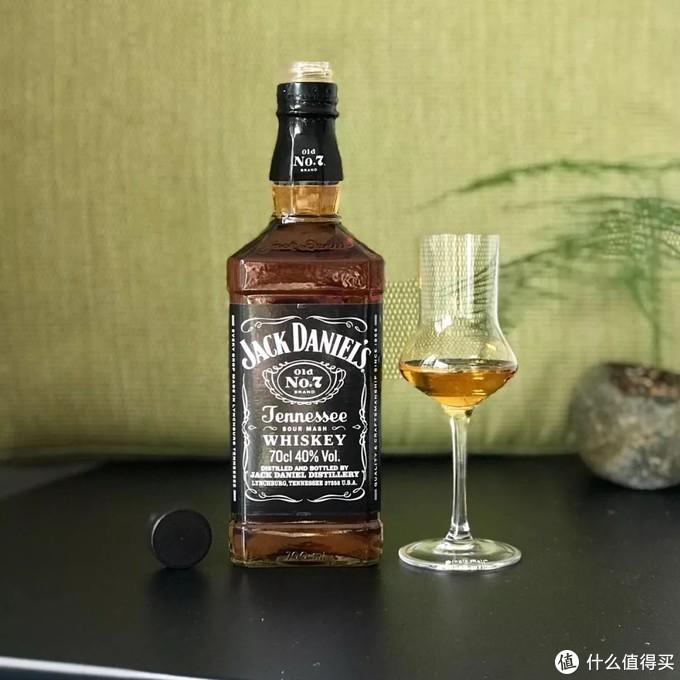 微信里最受关注的20款威士忌,哪些便宜好喝又适合入门?