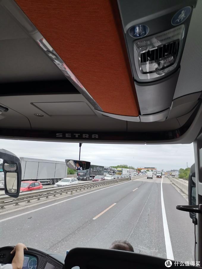 欧洲第一次看到堵车