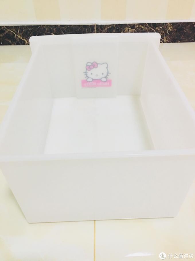狭窄空间巧利用 爱丽思 Hello Kitty收纳柜