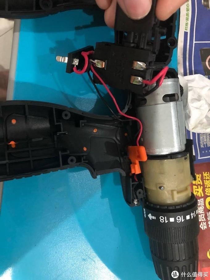 达文西之拆解29元的HABO福瑞德12v锂电钻一支