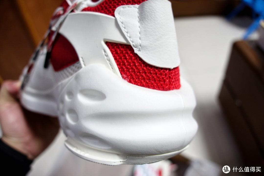 安踏x可口可乐联盟运动鞋开箱