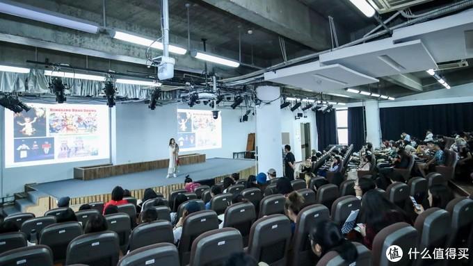 致爱二次元:泡泡玛特联合央美举办潮玩系列讲座