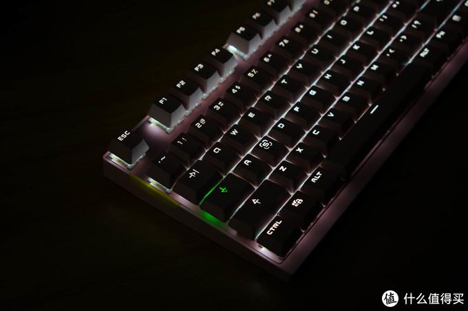 粉嫩色,2.4G无线你要的它都有,摩豹GK82双模机械键盘浅评