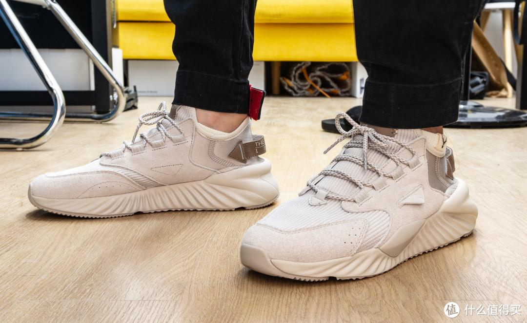 618战绩:安踏2019复古运动休闲鞋