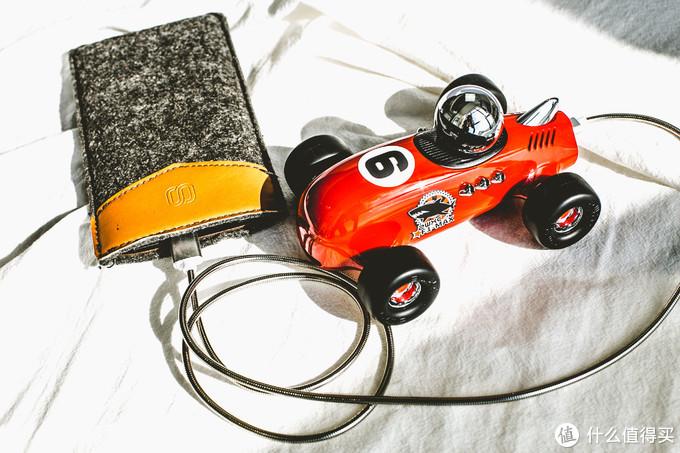 负离子净化器F1复古超跑——让你远离空气污染