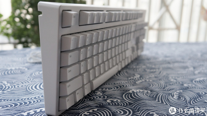 白得很纯粹,我的第一把机械键盘——ikbc C104 银轴 开箱