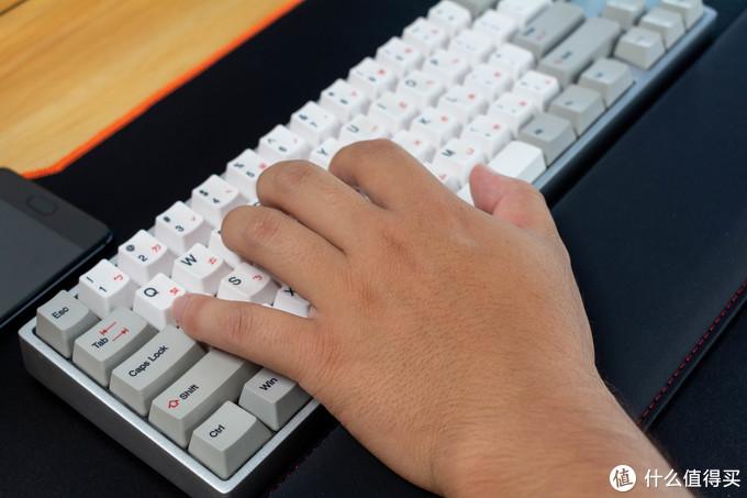 帮你的机械键盘找个伴——Hyperx Wrist Rest 海岸手托开箱