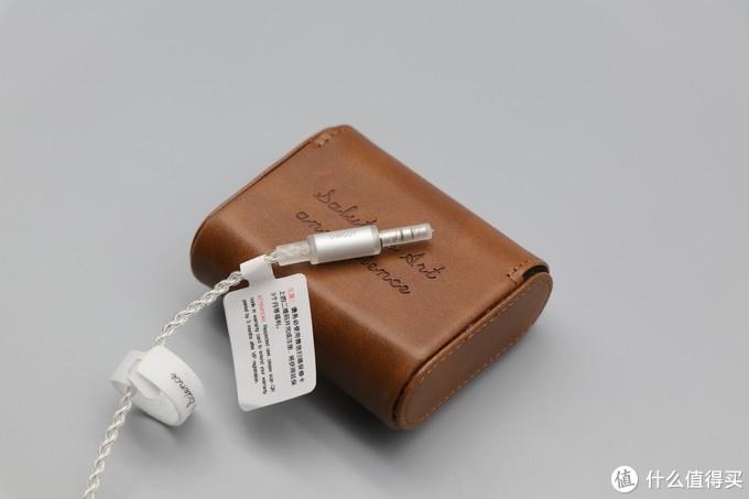 可能是千元内手机直推最好听的耳塞——兴戈洛神EM2