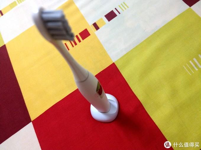 一支集时尚与科技一体的电动牙刷——欧可林 Oclean X 彩色触屏智能牙刷