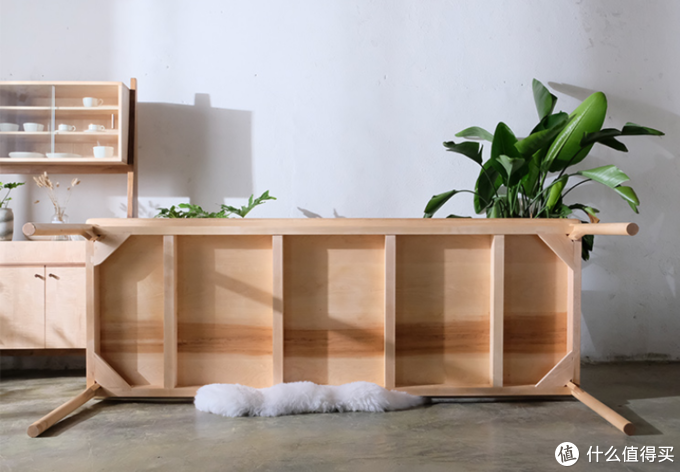 2.4米长餐桌,榫卯整装结构,图片来自加州印像