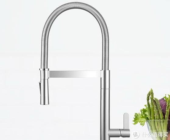 抽拉式水龙头简直是打开了厨房、浴室的新世界!