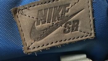 NIKE SB 巴斯光年限量背包外观展示(绑带|配色|背带|把套|抽绳)