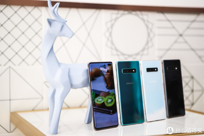 真·王者旗舰手机预警!三星S10、华为P30、苹果XS,哪个更适合送给另一半?