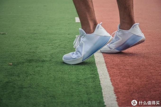 种草盘点丨虚假的球星正代,真实的球星签名战靴!