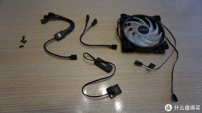 (从左到右依次是:母变公排针、5V3针ARGB 1分3线、风扇小4pin 1分2线、ARGB风扇X2 以及下面的灯效控制器)