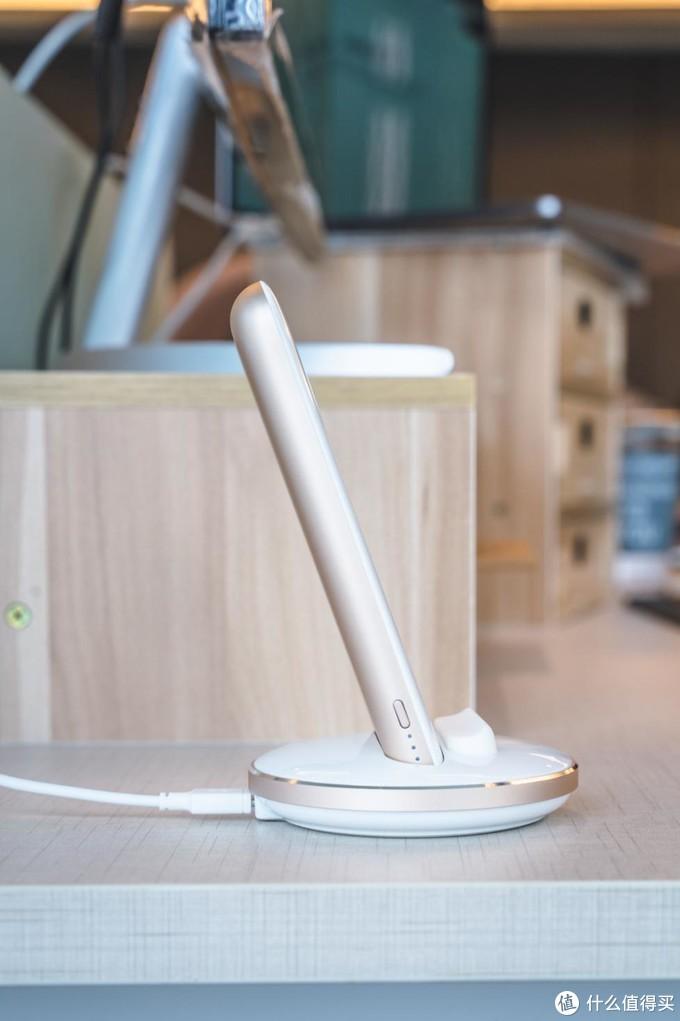 是无线充电座也是移动电源:MOMAX Q.Power Pro轻体验