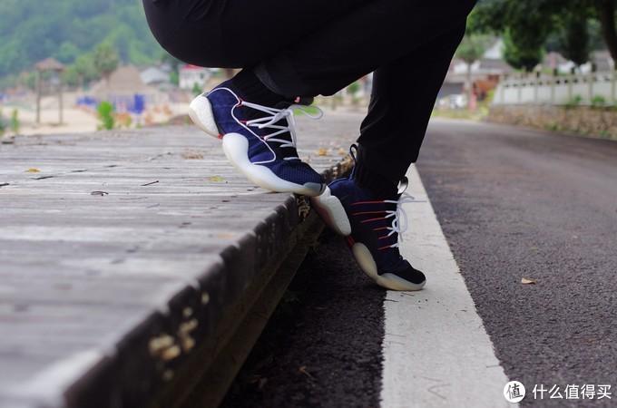 我们买老鞋,其实是纪念曾经我们懵懂的青春——天足 BYW X  VS 猎鹰19.1