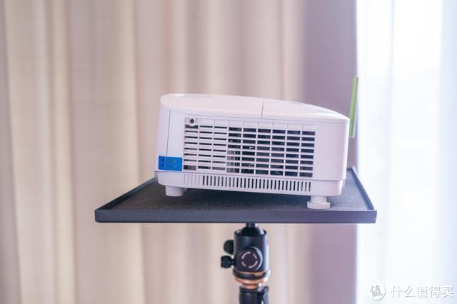 告别老土的连接方式,明基E580无线商务投影机
