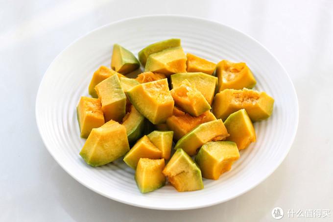 南瓜馒头不用蒸,上锅煎着吃,暄软香甜堪比面包,一口一个超美味