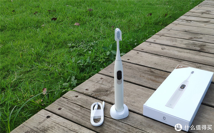 有触屏才是真智能?欧可林 Oclean X 电动牙刷深度体验!