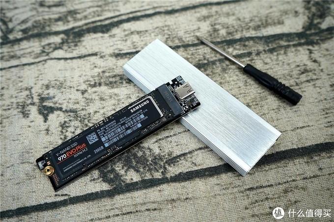 有了它我再也不怕丢U盘了,你也可以考虑试试--ORICO M.2 SSD固态硬盘盒 使用分享