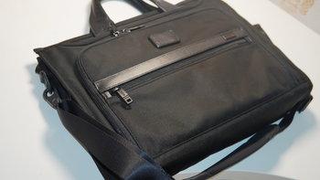 途明 Alpha系列 026110D2 男士商务休闲手提包外观展示(挂钩|肩带|磁吸扣)