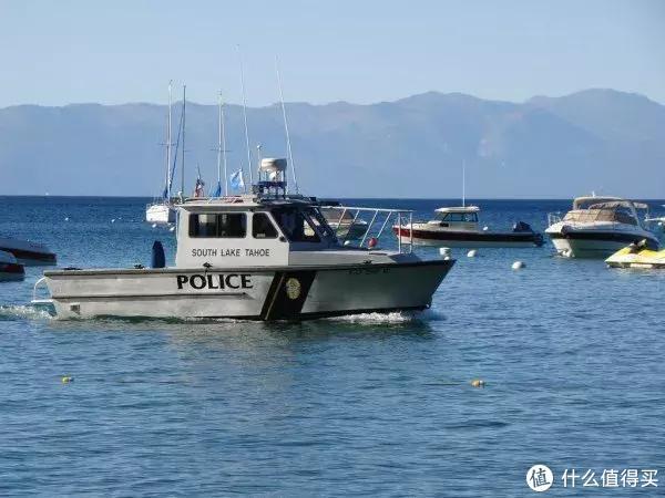 """换种姿势""""自驾游"""":租一艘Reinell 185快艇""""漂""""在太浩湖"""