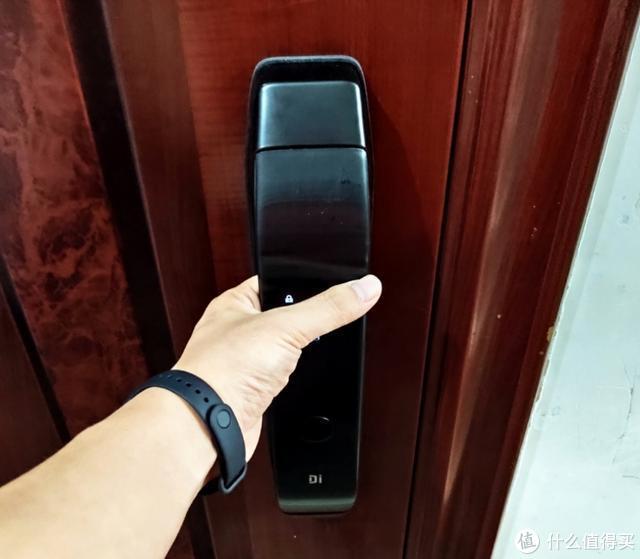 一触即发,小嘀Q3全自动指纹锁体验,多种开门方式摆脱钥匙束缚