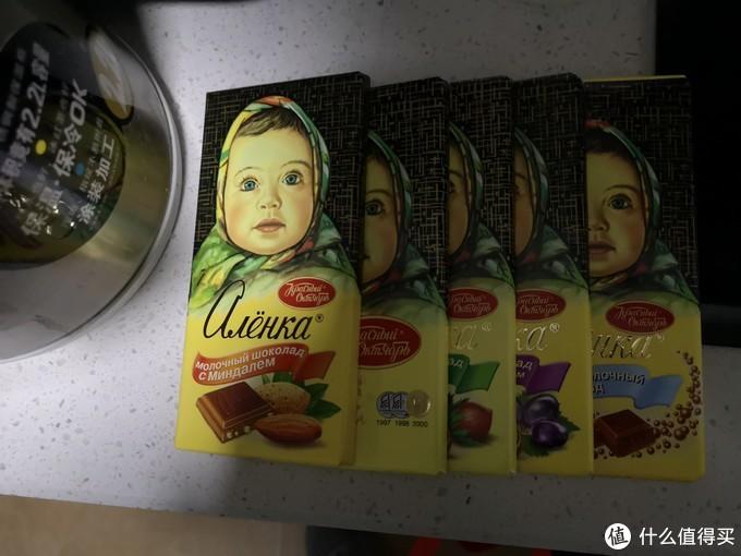俄罗斯的大头娃娃,紫皮糖,小牛威化都很棒