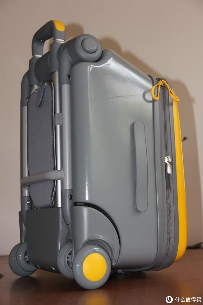 行李箱侧面