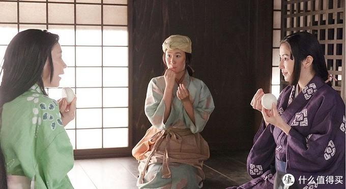 左:信繁的姐姐阿松,中:信繁的首任妻子阿梅,右:信繁的青梅竹马阿桐。