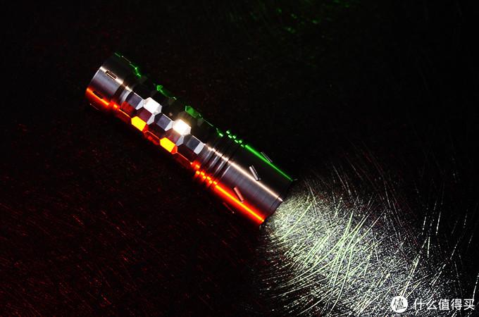 光与色交融 水晶般闪耀:Reylight手电——水晶