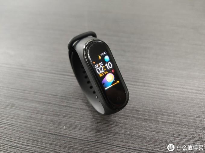AI彩屏重新刮起一股运动风——小米手环4 NFC版评测报告