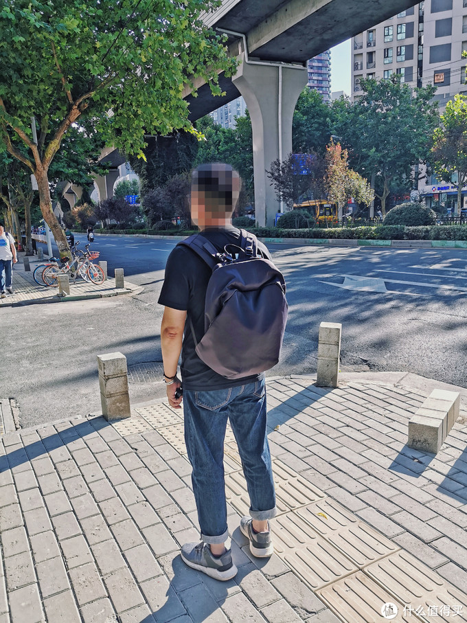 身材小,肚子大-ELECOM宜丽客 防盗双肩包评测