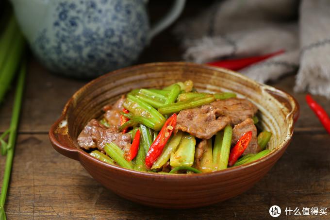 牛肉价格虽贵但营养高,要想鲜香嫩滑有三招,学会都可以PK大厨了