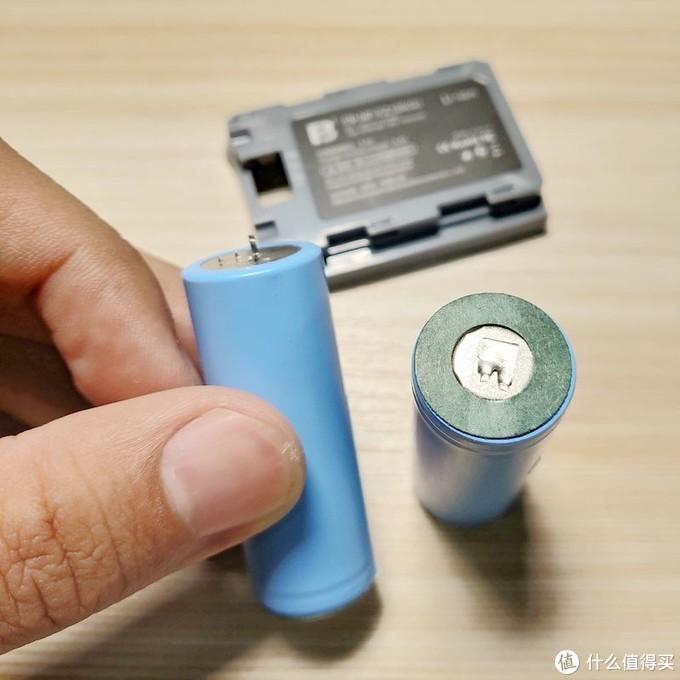 ▲其他电池(图中为沣标)就比较紧密。