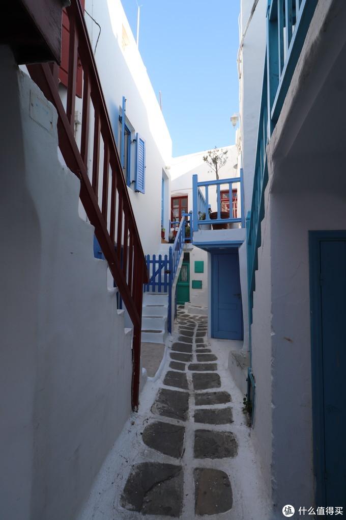 很多小巷子很窄,游人进来得也少,其中风景还是值得细细品味