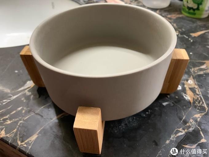陶瓷猫碗  太大了 给狗用了最后