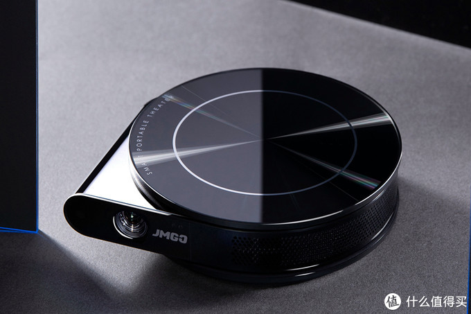 移动网络时代下催生的观影设备,坚果T9便携投影,可插SIM卡使用