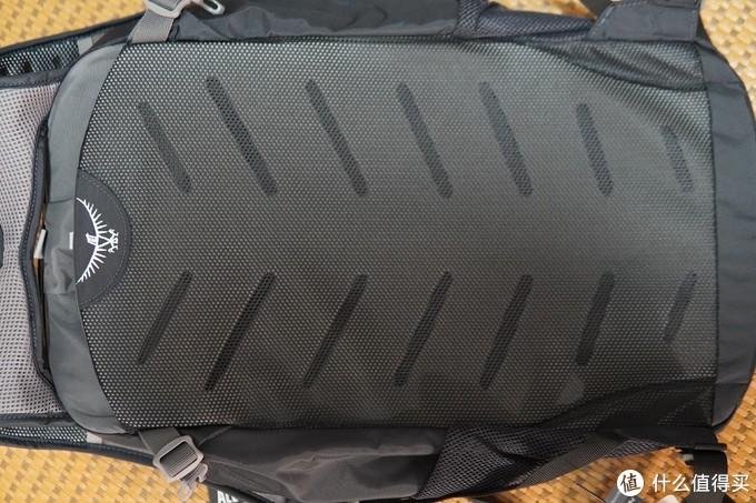 极简出行与轻量化之选:Osprey小鹰神包日光20L上手体验