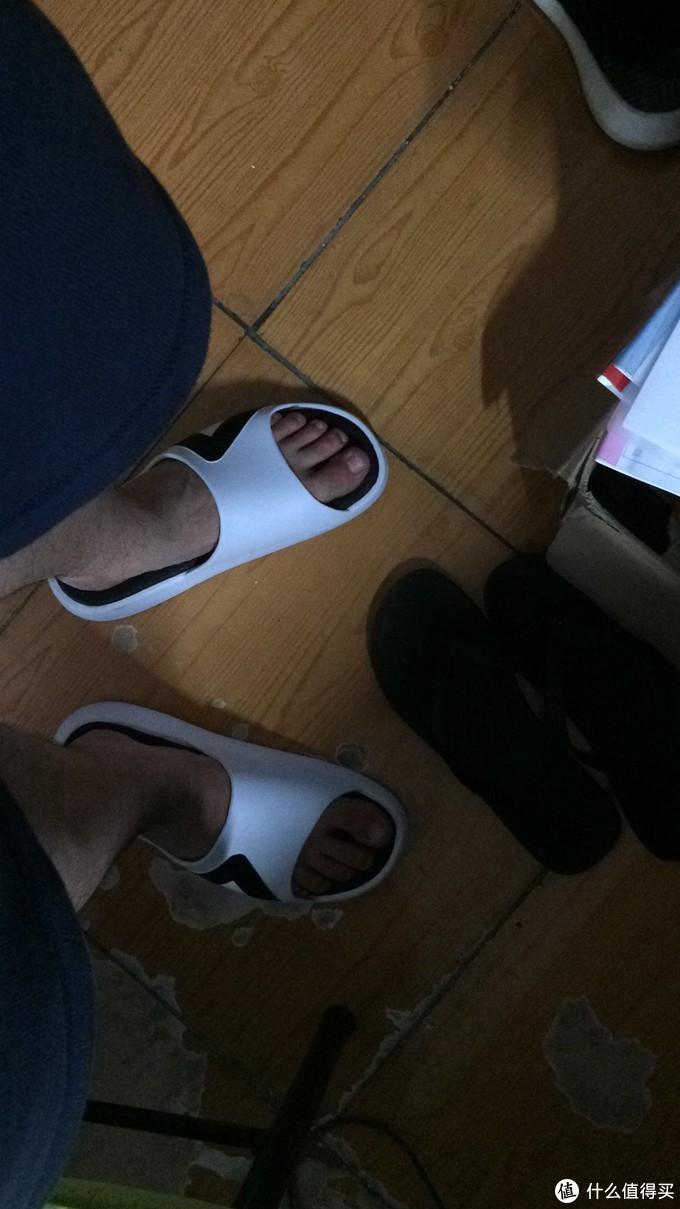 简单开箱!试试还挺有热度的匹克态极拖鞋