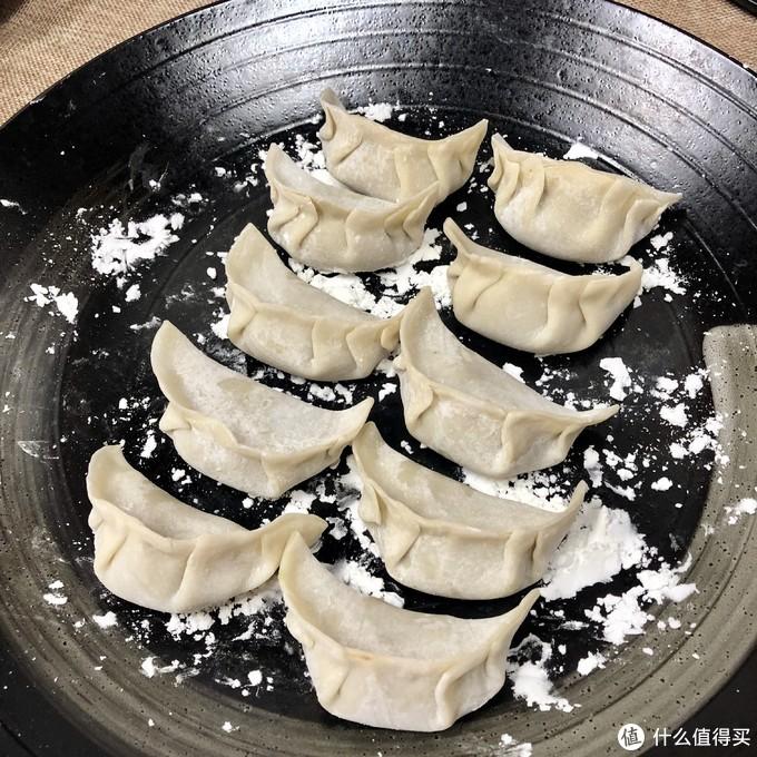 包饺子技术一般,别笑